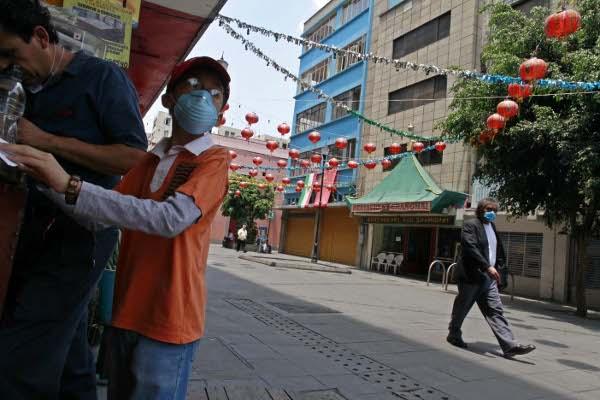 Calles vacías en México, después de la epidemia de miedo