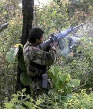 Guerra el ejército: camuflados en el monte y en los estrados judiciales
