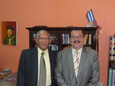 Eduardo Carreño, del Colectivo Alvear Restrepo, y Carlos Lozano, periodista del Polo Democrático