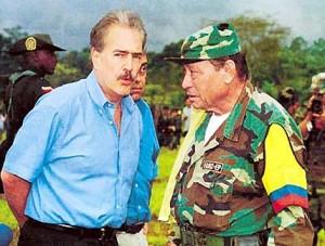 Tirofijo y su candidato, el presidente Andrés Pastrana