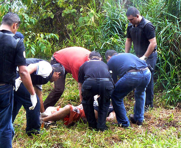 Colombianos son asesinados en Venezuela, mientras la cúpula del Polo y del Partido Liberal se regodean con Chávez