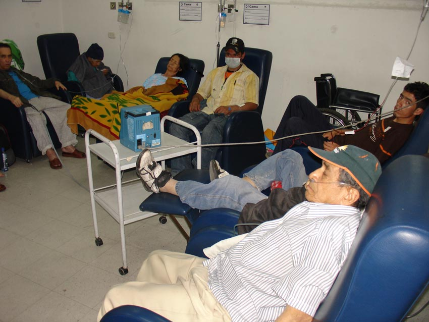 Hospitales de Bogotá en cuidados intensivos.. Esta es una sala de urgencias..