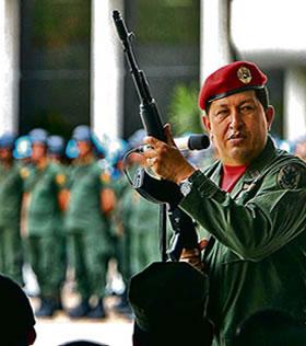 Mientras arma a la guerrilla y financia al Polo Democrático, Chávez anuncia guerra contra Colombia