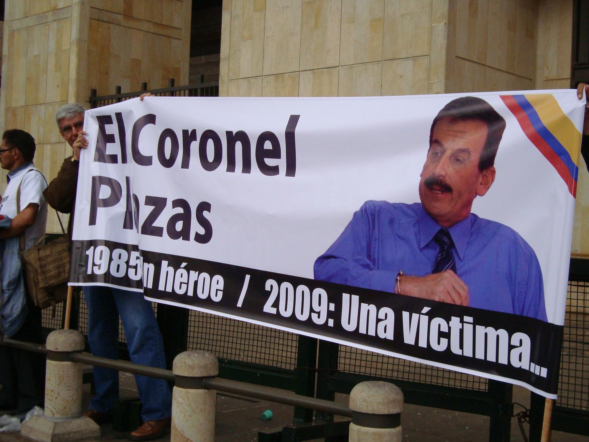 Manifestación en apoyo al coronel Plazas Vega