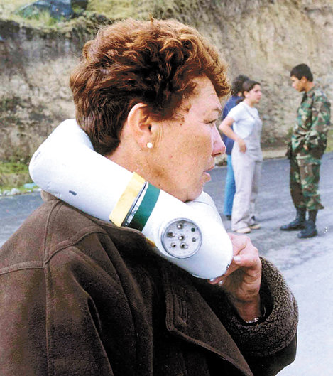 Elvira Cortés Gil, asesinada brutalmente por los terroristas de las FARC que le colocaron un collar bomba. El oficial del ejército que intentó ayudarla desactivando la bomba, murió también en el intento.
