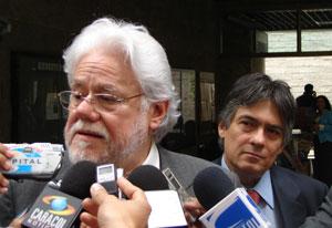 """La tesis de Carlos Gaviria defienden y promueven el asesinar personas por motivos """"altruistas"""""""