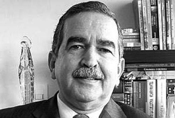 General Herrera Berbel desmiente a Álvaro Uribe