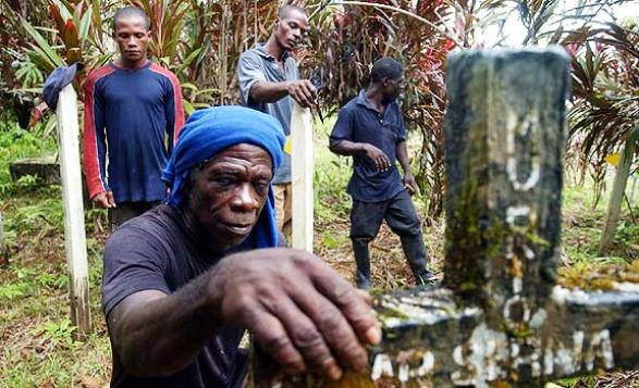 Sobrevivientes de la Masacre de Bojayá, cometida por las FARC