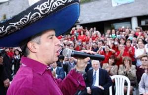 Mario Iguarán, disfrazado de mariachi, el día de su salida de la Fiscalía