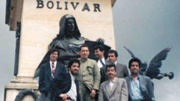 Gustavo Petro y su amigo de vieja data, Hugo Chávez
