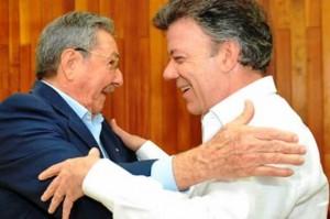 Juan Manuel Santos y Raúl Castro, uno de los tiranos que tiene sometido al pueblo cubano