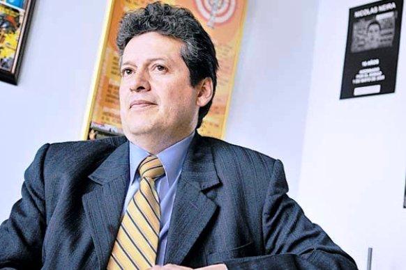 Alirio Uribe Muñoz, presidente del Colectivo Alvear Restrepo. Terrorista del M-19