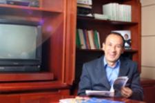 Rodrigo Barrera Barinas, educador de mujeres... Macho, machote