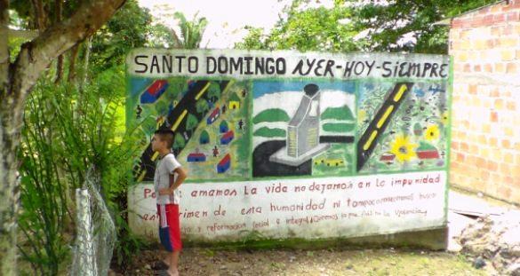 Este mural es prueba de la mitomanía de quienes saben que los asesinos de los 17 pobladores fueron las FARC