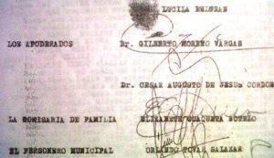 Detalle de la firma en un documento que acredita a Gilberto Moreno Vargas como abogado de los invasores