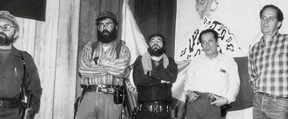 Álvaro Leyva Durán con los jefes de las FARC. Una antigua relación