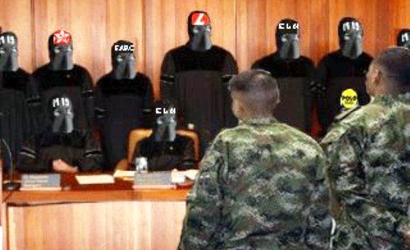 A nuestros militares los está juzgando el enemigo