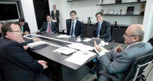 El Fiscal Montealegre reunido con José Miguel Vivanco, amigo de las FARC y acérrimo opositor de nuestras Fuerzas Militares