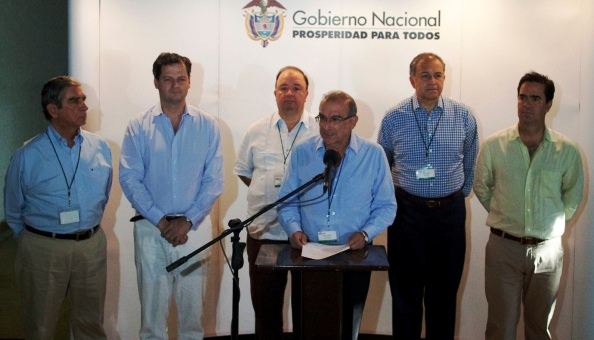 Los delegados del gobierno en la Mesa de Negociaciones de La Habana con las FARC