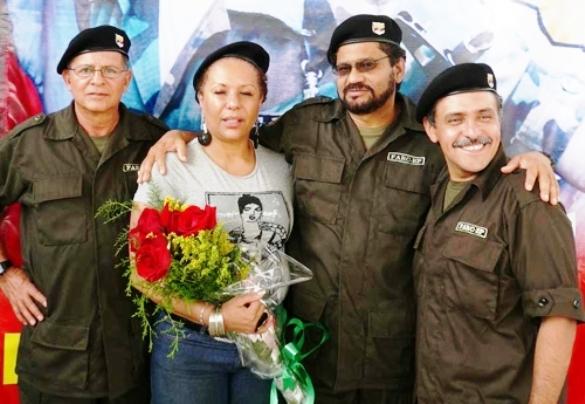 """Y no podía faltar la """"Teodora"""" por excelencia, junto a sus amados comandantes de las FARC"""