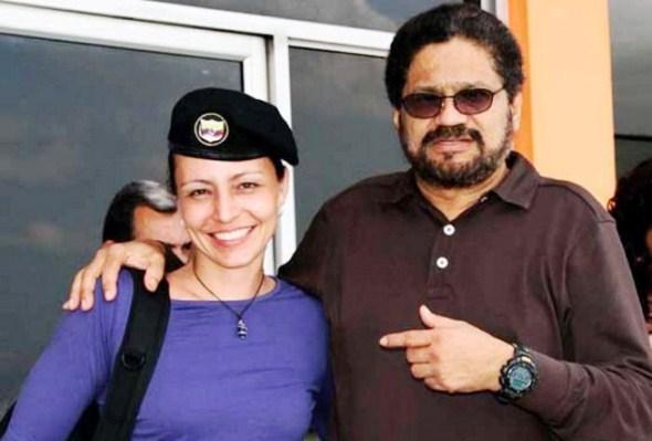 Y, en los diálogos de hoy día en La Habana, la cosa no cambia. Aquí vemos a Iván Márquez con su meretriz holandesa, Tanja.