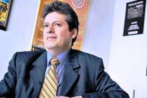 Alirio Uribe Muñoz, antiguo terroristas del M-19. Hoy presidente del Colectivo de Abogados Alvear Restrepo