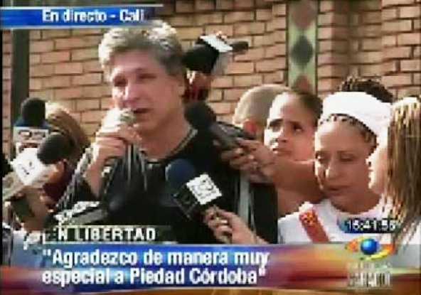Sigifredo López, el día de su liberación. Los otros diputados no corrieron con tan buena suerte