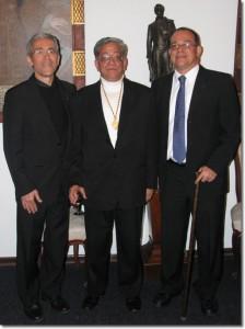 Francisco de Roux, Provincial de los Jesuitas, Fernán González, S.J. y Mauricio García, S.J., Director del CINEP. El día que nombraron a Fernán Gonzalez como miembro de la Academia Colombiana de Historia