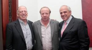 Enrique Santos a la izquierda. Ernesto Samper al otro extremo