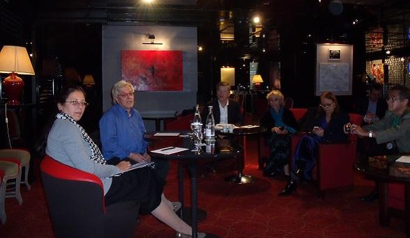 Encuentro con Ofelia Acevedo Paris 20 septiembre 2013 (Foto archivo personal)