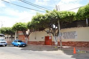 Frente a este colegio, Nicolás Maduro y sus amigos jugaron fútbol innumerables veces