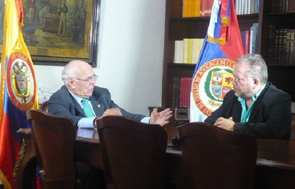 """El General Jaime Ruiz Barrera considera que hay fuerzas oscuras que buscan destruir a nuestro Ejército"""""""