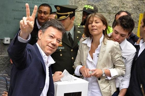 Juan Manuel Santos y su familia, el día de las elecciones del Congreso