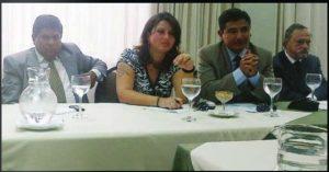 Raúl Luis Chicaiza Fuentes, a la izquierda, se infiltró en los círculos uribistas