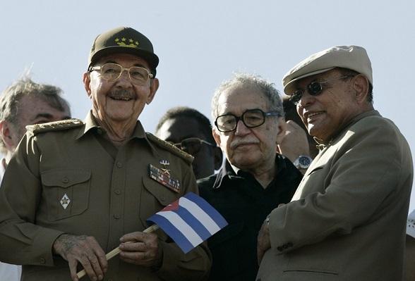Gabriel García Márquez y Raúl Castro