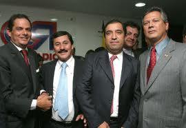 Germán Vargas Lleras y Juan Carlos Restrepo (tercero de izq a dere.)