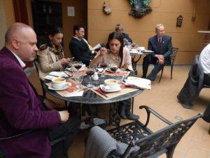 Algunos de los invitados al Foro Ideas para la Democracia, con el Dr. Carlos Holmes Trujillo