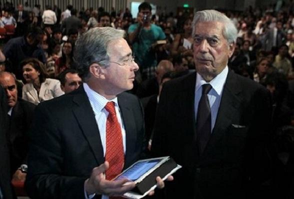 Mario Vargas Llosa y Álvaro Uribe Vélez