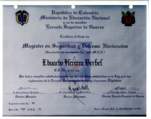 Titulo 'Honoris Causa' otorgado a Herrera Berbel. Esto no sirve como requisito para ser rector