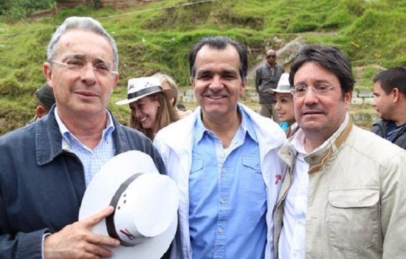 Álvaro Uribe, Oscar Iván Zuluaga y Francisco Santos