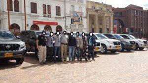 Parte de los 40 vehículos entregados a politicos como pago al apoyo a la reelección. Esta foto es de la entrega que correspondió a corruptos de Nariño
