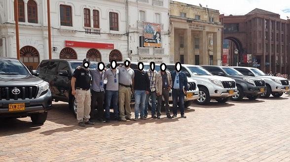 Parte de los 40 vehículos entregados el fin de semana pasado a politicos como pago al apoyo a la reelección. Esta foto es de la entrega que correspondió a corruptos de Nariño