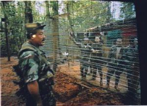 Militares y policías secuestrados por las FARC, en campos del terror