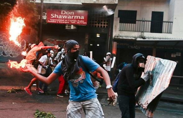 Sigue el caos en Venezuela