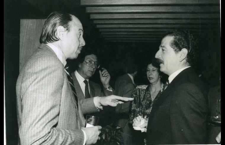 Luis Carlos Galán, con Alberto Casas Santamaría y Alberto Giraldo, todos divinamente