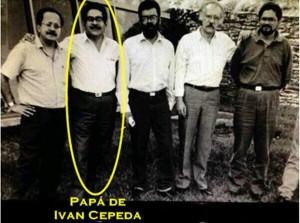 Fotografía que circula por la red y que muestra a Manuel Cepeda Vargas en compañía de los cabecillas terroristas de las FARC