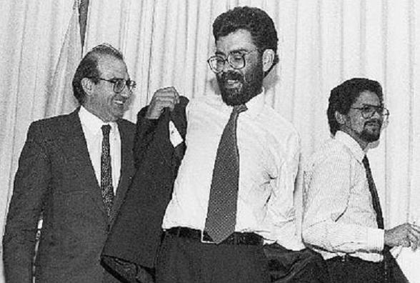 """Humberto de la Calle, """"Alfonso Cano"""" e """"Iván Márquez"""". Desde hace años buscan esa agenda común en lo que ahora hace en La Habana"""
