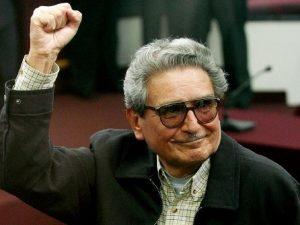 El terrorista Abimael Guzmán controla desde la cárcel los procesos contra los militares