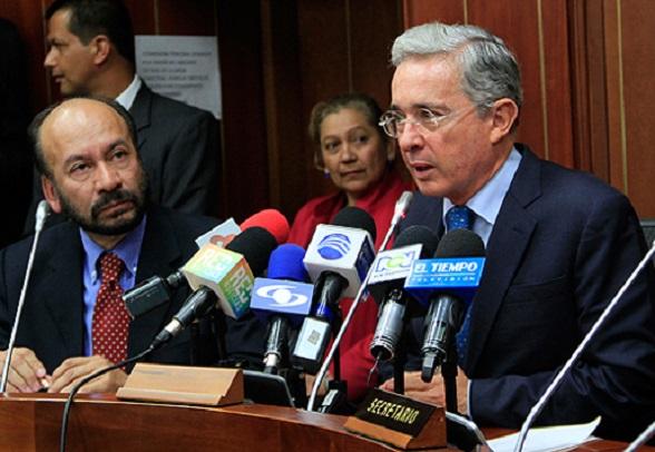 El expresidente y hoy Senador, Álvaro Uribe Vélez