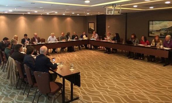 Eric Haubruge con delegados de la Misión económica del gobierno de Santos